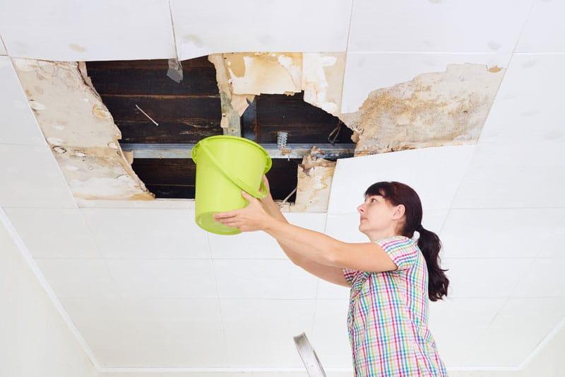 Xử lý mái nhà bị thấm - Quận 4