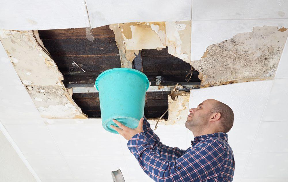 Xử lý mái nhà bị thấm - Quận 6